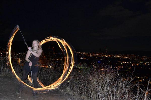 feuershow-aus-jena-fireflowart-theda-strickling