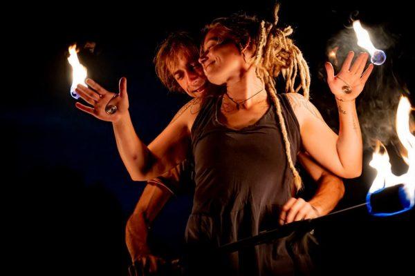 hochzeitsfeuershow-buchen-fireflowart-eric-jesche-theda-strickling