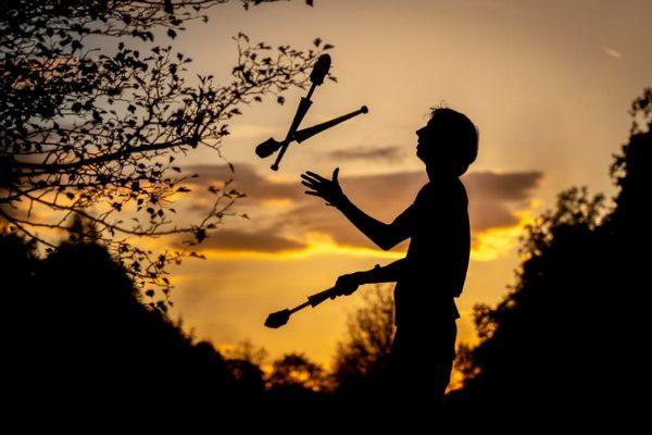 jonglieren-lernen-workshop-fireflowart-eric-jesche